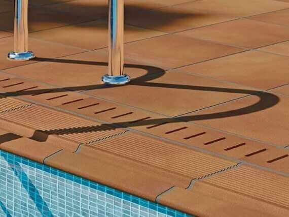 Suelos antideslizantes exterior piscinas